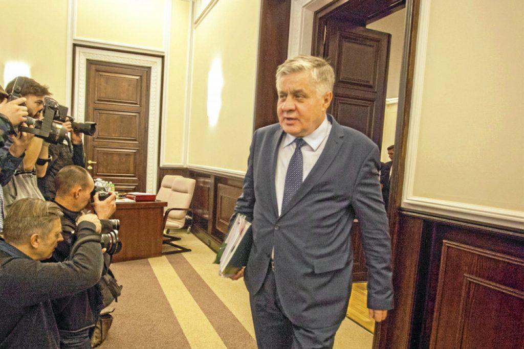 Wotum nieufności dla ministra Jurgiela